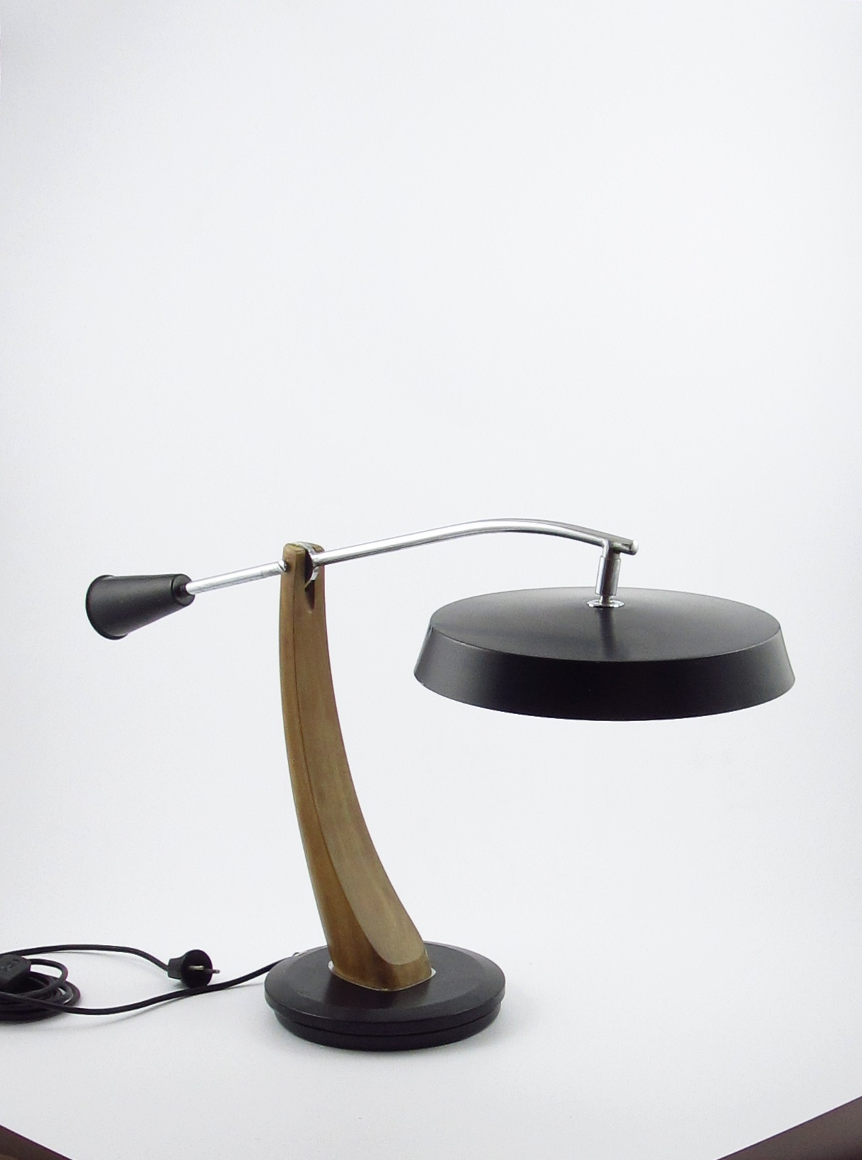 Fase President Table Lamp Black