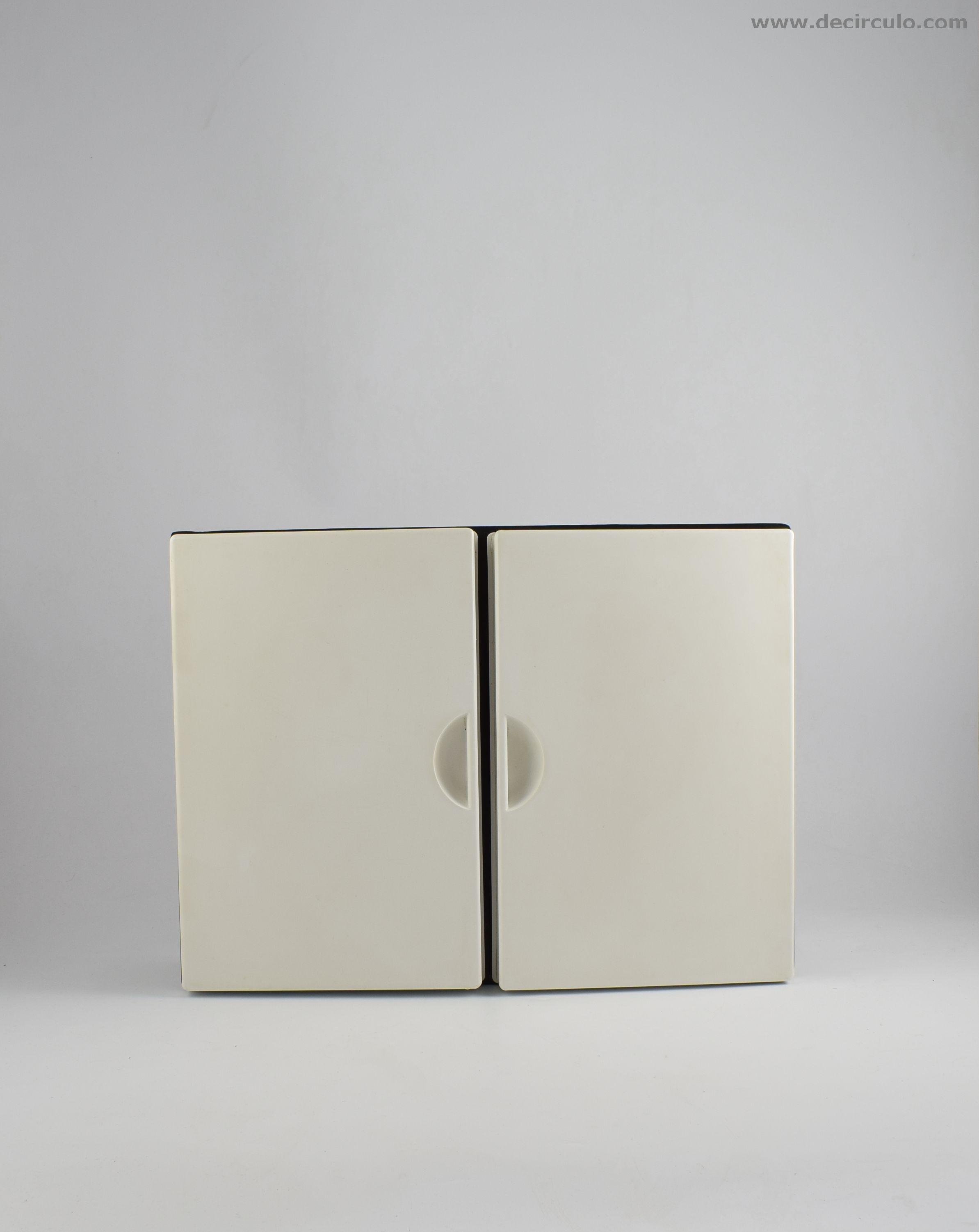 Bakelite Cabinet Plastic Press Milano