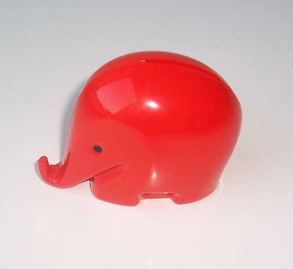 Colani Elephant Red 02