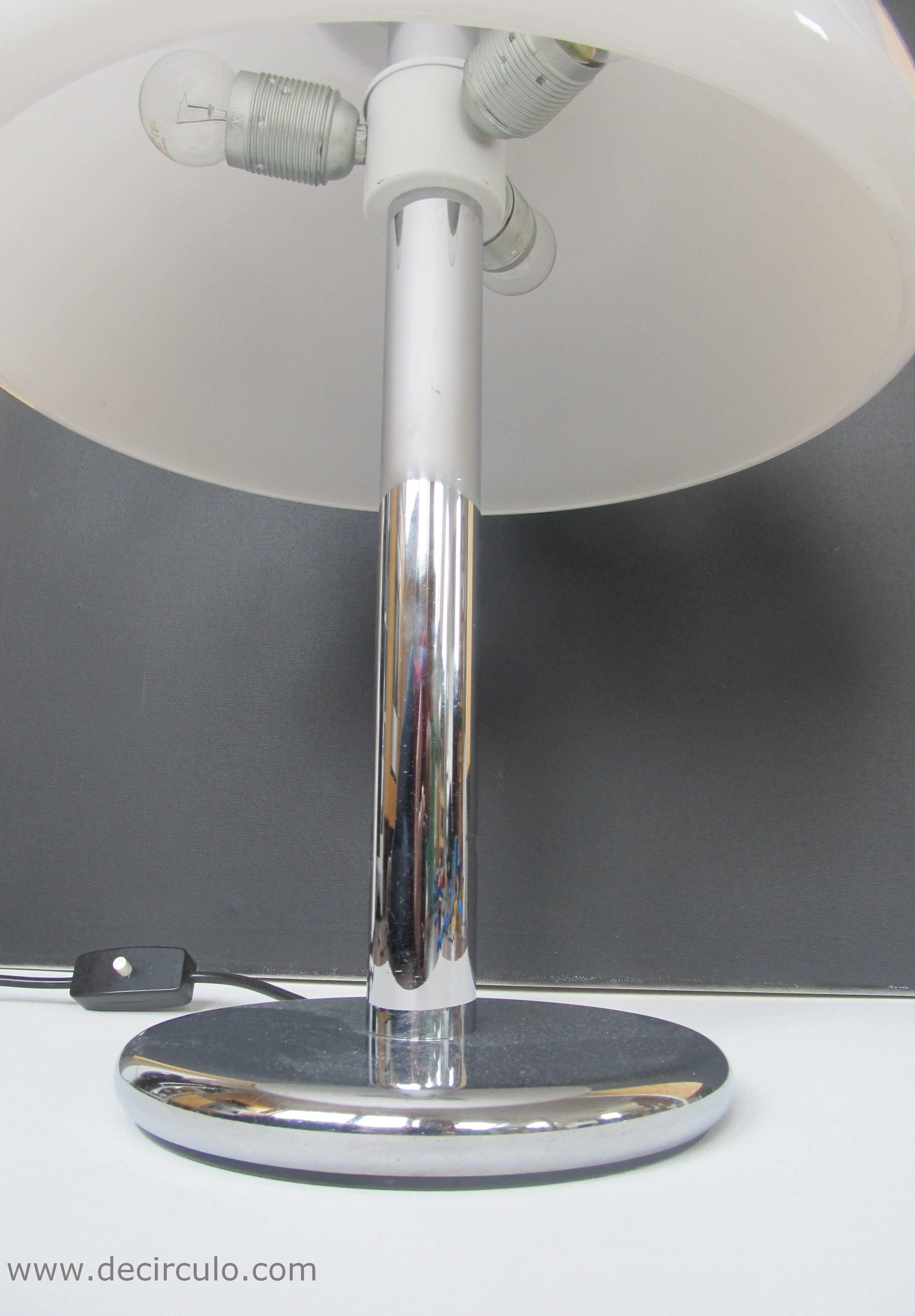 Hillebrand Lamp White