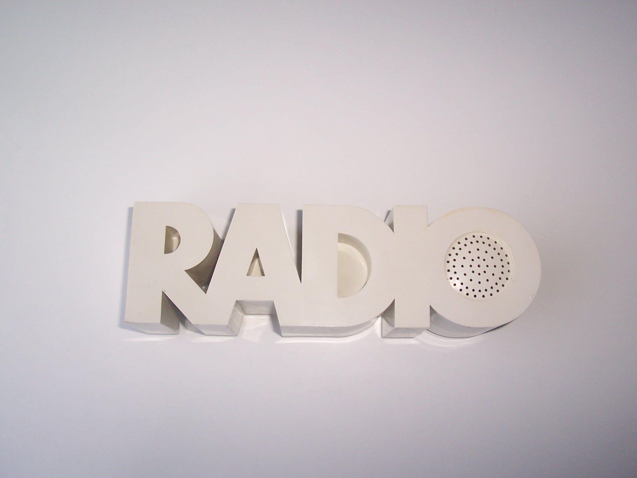 Isis Radio 01